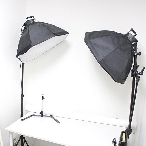 ECサイトに掲載する商品写真の撮影のために撮影室も完備。