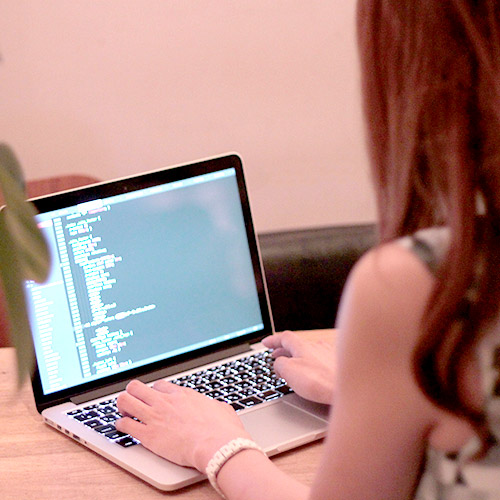 女性WEBデザイナーといえば?
